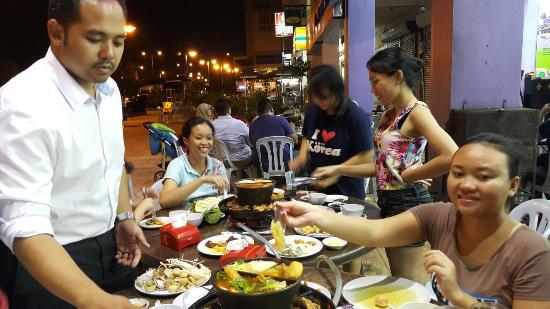 Restoran Q Thai Village