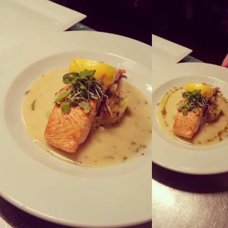 Langholm, UK: Grilled Salmon with Lemon Veloute