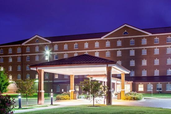 IHG Army Hotels Newgarden Inn: Hotel Exterior
