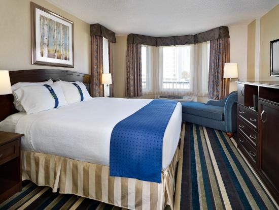 Holiday Inn Conference Ctr Edmonton South: Relax in our King Suite overlooking the heart of South Edmonton
