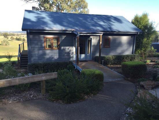 Outlook Hill Vineyard & Cottages: photo1.jpg
