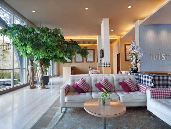 Ibis Bali Kuta: Exterior