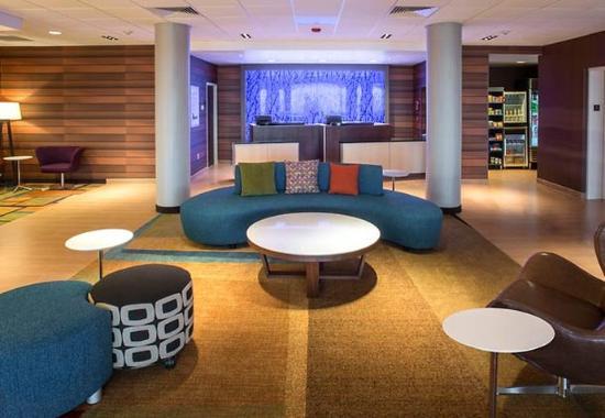 Fairfield Inn & Suites Tulsa Downtown: Lobby