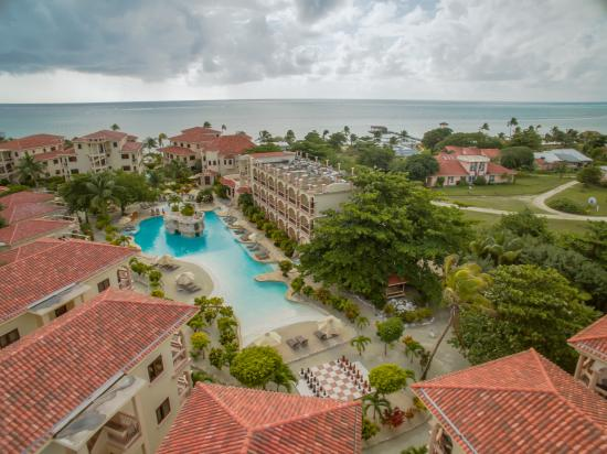 Coco Beach Resort : Beautiful Rear Pool
