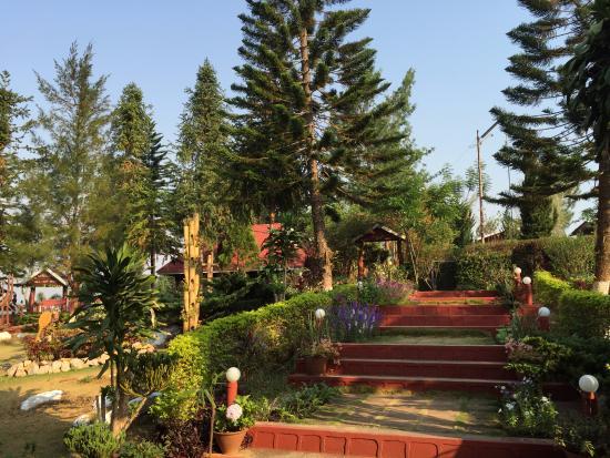 Hill Top Villa Resort Kalaw: Gardens
