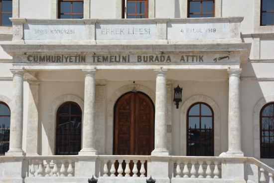 Ataturk Congress & Ethnography Museum - Foto van Ataturk ...