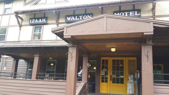 Essex, Монтана: Izaak Walton Inn