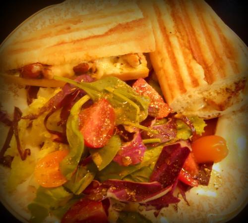 Saint-Come, Канада: Copieux panini méditerrannéen !
