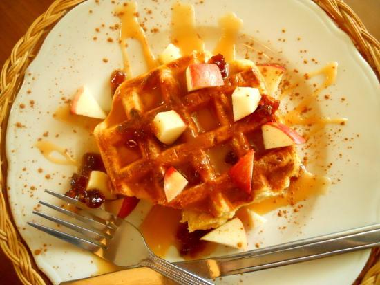 Saint-Come, Канада: Gaufre pommes-cannelle et caramel aux pommes
