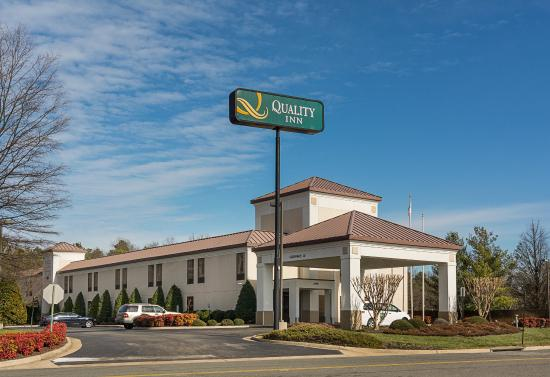 Quality Inn Richmond Airport: Exterior