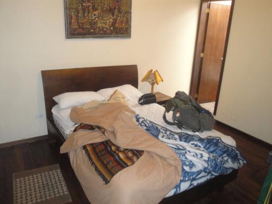El Arupo: Apartamento onde fiquei, com a entrada do banheiro.
