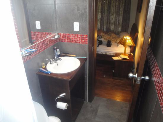 El Arupo: Banheiro do meu quarto.