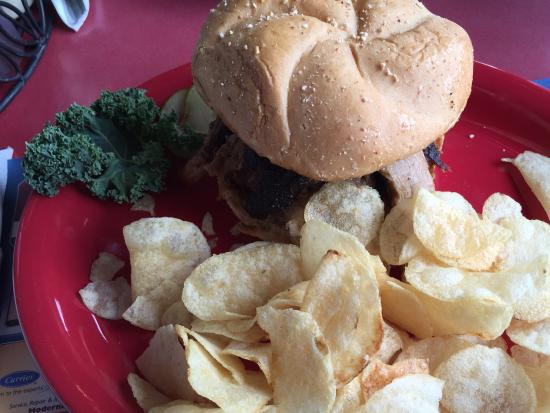 Mazomanie, WI: Pulled Pork Sandwich