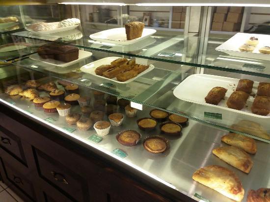 Foto de les gourmands pasteleria francesa lima quiche de for Comida francesa en lima