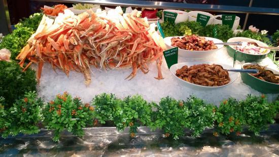 Mandarin Restaurant - West Hunt Club Road - Buffet Items - Picture ...