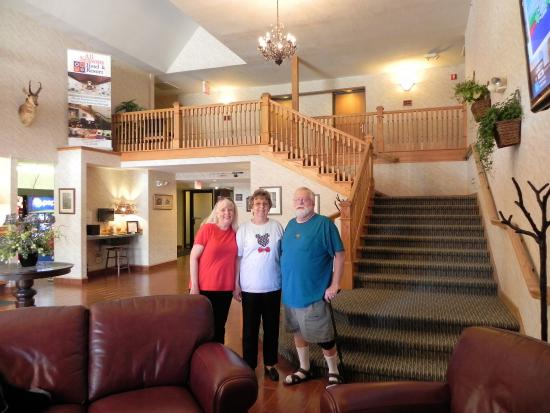 Kalkaska, MI: In the lobby after a restful and enjoyable visit.