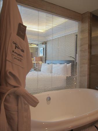 Bathrobe Bathtub Picture Of Hotel Indonesia Kempinski Jakarta Tripadvisor