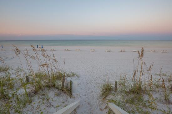 Carillon Beach Resort Inn: The beach access at Carillon
