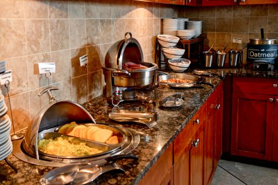 Homewood Suites by Hilton Seattle Downtown: free breakfast daily