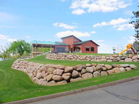 Bullheads Bar & Grill - Stevens Point WI Restaurant - 2016 - Concert Pavilion Construction