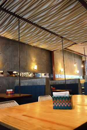 La placita burger bar barranquilla fotos n mero de for Restaurante la sangilena barranquilla telefono