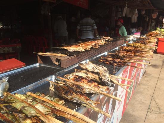 Siem Reap Province, Καμπότζη: On site BBQ on Koulen Mountain