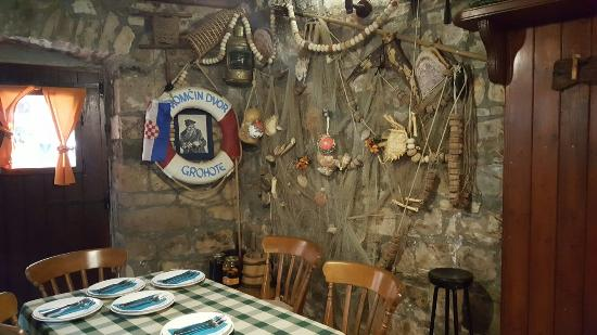 Solta Island, Kroatien: Konoba Momcin Dvor