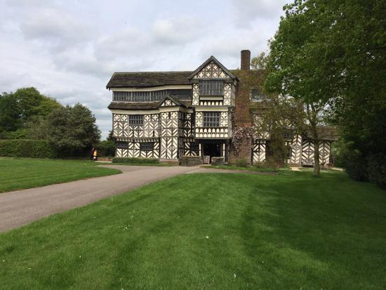 Congleton, UK: Living the Tudor fantasy at Little Moreton Hall