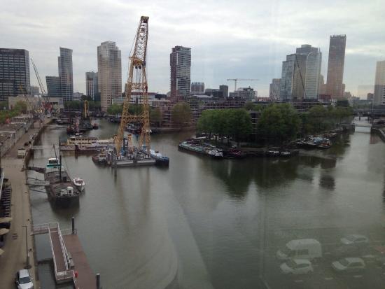 إنتل هوتلز روتردام سنتر: Morning view