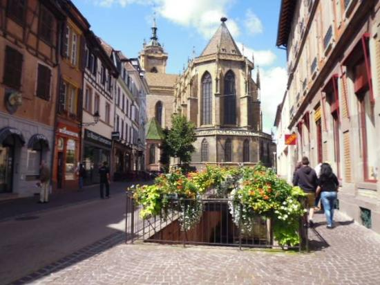 Une rue du centre ville de colmar nh c a old town for Piscine unterlinden colmar