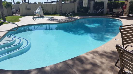Nice Pool To Relax In Deep End Is 6 Foot Picture Of Hampton Inn Tucson Airport Tripadvisor