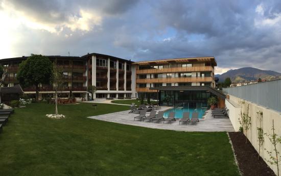 Schones Hotel In Sudtirol Auf Dem Aufsteigenden Ast Die Tochter