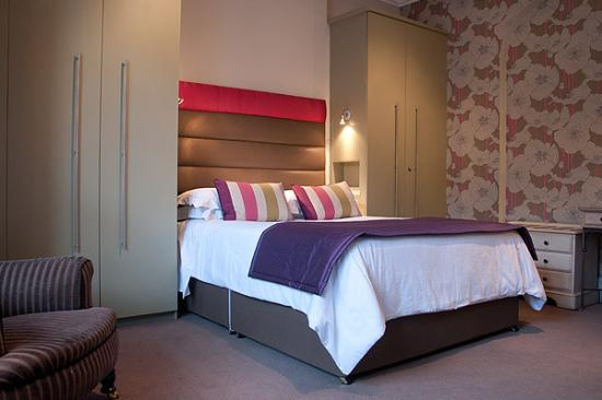 Burlington House Hotel: King Room