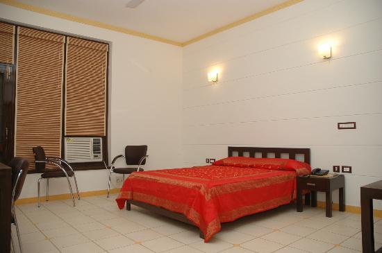 Hotel Dahleez Photo