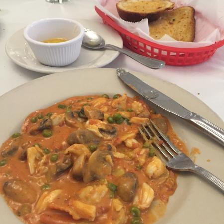 Mamma Lucia's : Crab with lobster raviolis