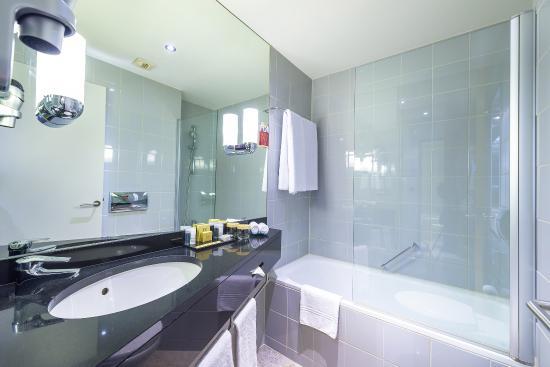 K+K Hotel Cayre: Bathroom