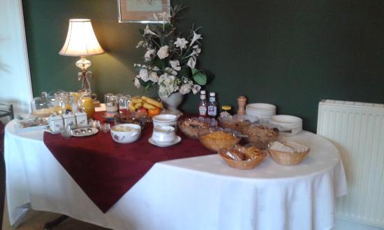Moorfield House: The breakfast buffet