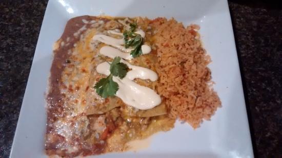 Hemet, CA: delicious shrimp enchiladas