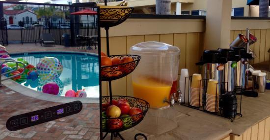 Coronado Inn: Continental breakfast
