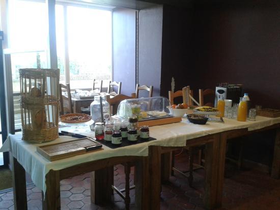 Hotel Le Rayon Vert : et voilà l'ENNORME petit déjeuner sous forme de buffet (ah ah ah ah ah !)