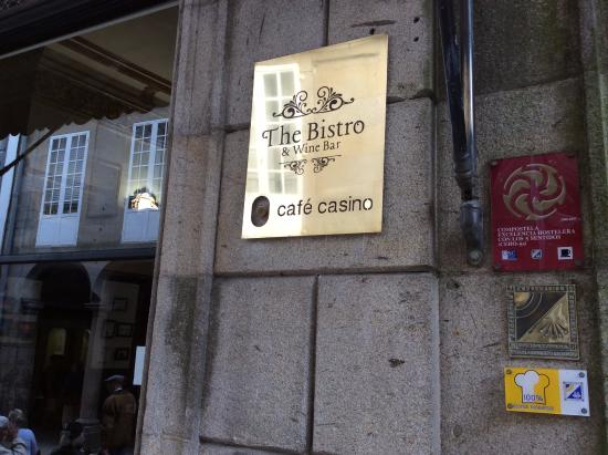 Restaurante cafe casino en santiago de compostela con for Cocinas santiago de compostela