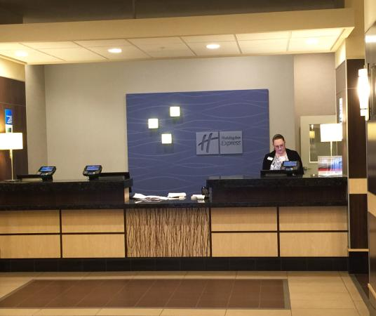Holiday Inn Express Tacoma Downtown Hotel Front Desk