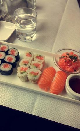 restaurant sushi frais dans villefranche sur saone avec cuisine japonaise. Black Bedroom Furniture Sets. Home Design Ideas