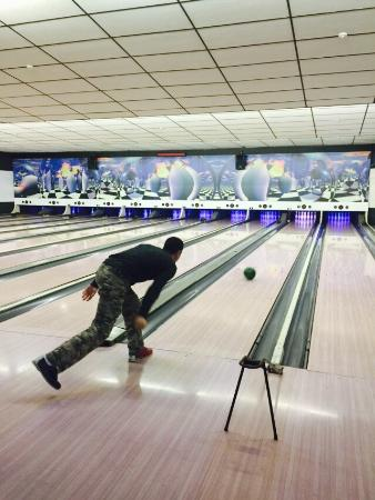 Sint-Niklaas, België: Great day out bowling.