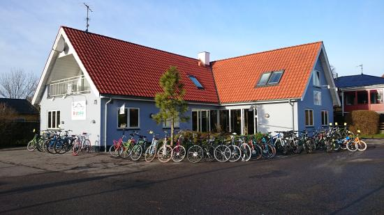 Kalvehave, Denmark: Large private Parking area & large selection of Bikes & Accesories