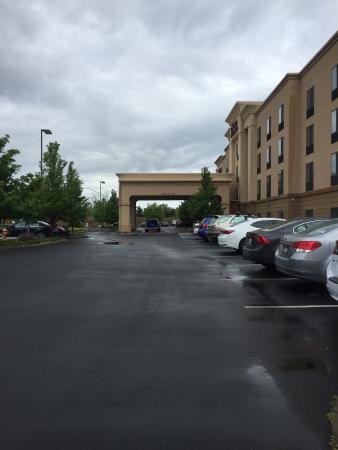 Hampton Inn & Suites Walla Walla: BW Hotel Front Entrance