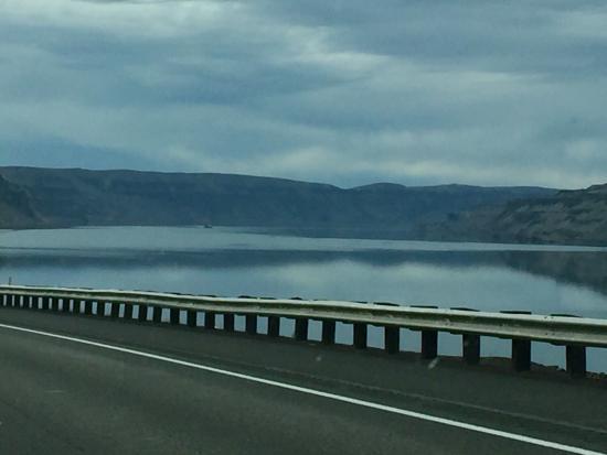 Columbia River Gorge: photo1.jpg
