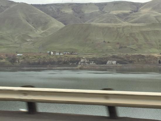 Columbia River Gorge: photo2.jpg