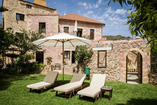 Spilia Village Hotel: Garden