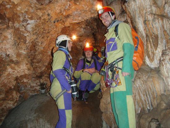 Tanara Aventure: Speleologie dans les gorges du Tarn